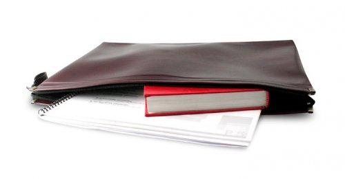 Underarm briefcase with zipper closure
